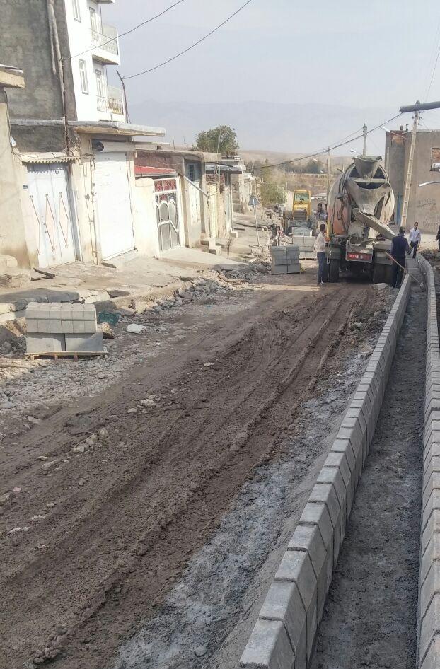 اجرای عملیات جدول کشی خیابان شهید ابراهیمی