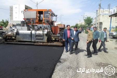 اتمام عملیات آسفالت ریزی مسیر برگشت خیابان امام خمینی ره