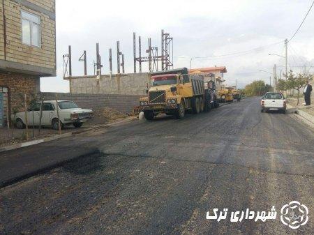 آسفالت ریزی خیابان های شهید میر عظیمی و دانشور شهر ترک